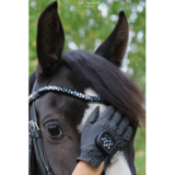 Brightly Blue : Magic Tack Frontal detail _